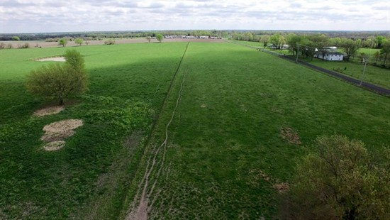 77 acres; Sacajawea Rd; Pettis County